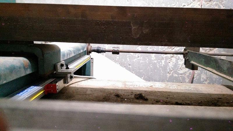 Lắp thước quang máy chấn tôn Công Ty Inox Hoàng Kim 3