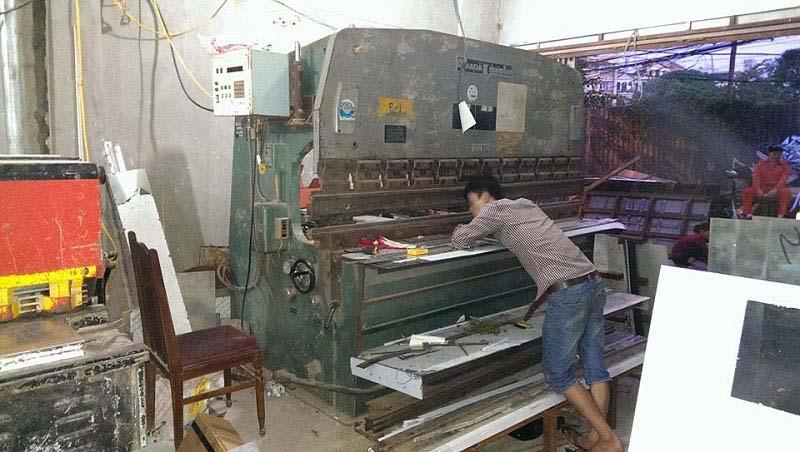 Lắp thước quang máy chấn tôn Công Ty Inox Hoàng Kim 5