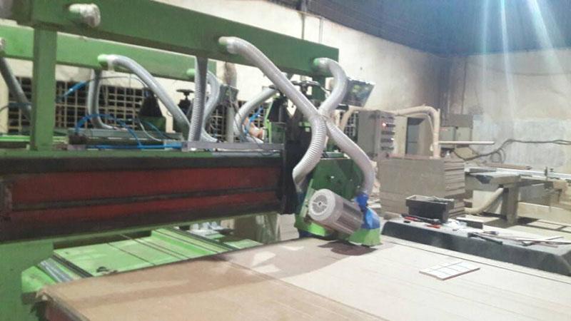 Lắp thước quang máy cưa gỗ Công Ty TNHH Đồ Gỗ Gia Dụng Màu Xanh 3